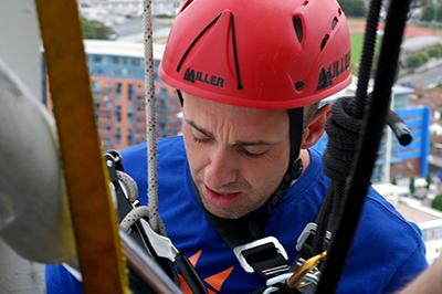 Urban Energy abseil - Spinniker Tower Aug 2011 Colin OKeefe small 400