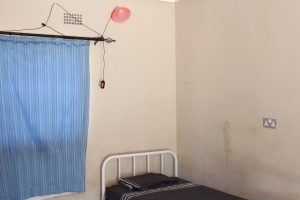 Maternity ward bed